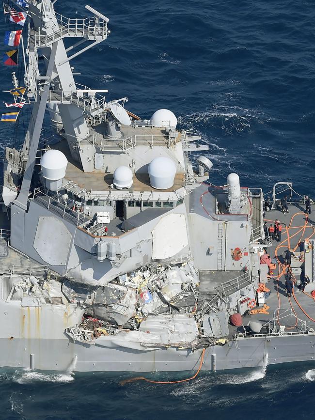 美军承认撞船事件有重大过失 正副舰长被解职